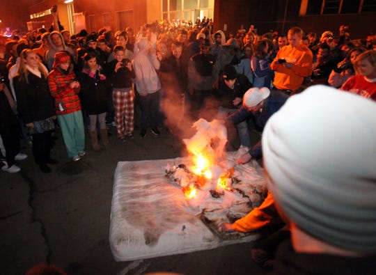 Twelve days into the decade, Tennessee football had caught fire, and not in a good way. After Lane Kiffin announced his resignation as coach, students took to burning mattresses and T-shirts.