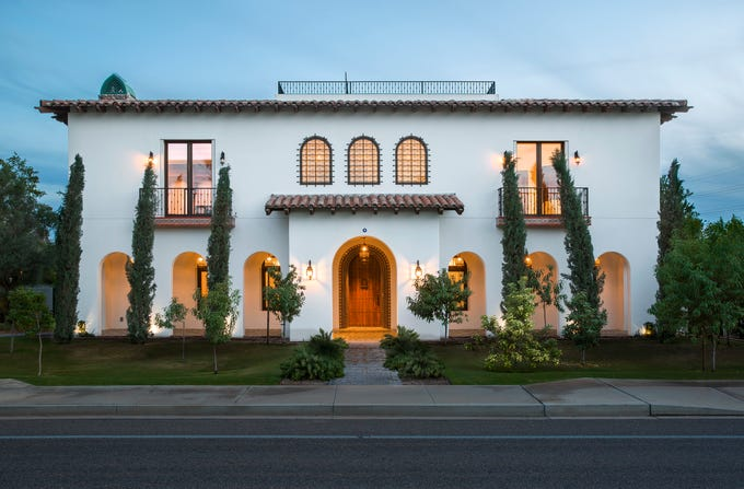 Casona de Pappas is not only the first Tempe home to achieve LEED Platinum certification status, but also the highest rated Platinum home in the nation.