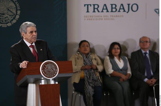 Autoridades en México anuncian el incremento del salario mínimo.