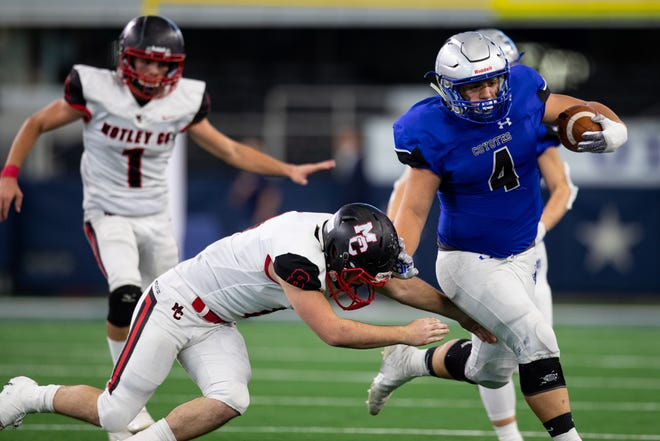 Richland Springs' Matthew Rigdon runs the ball for a touchdown during the third quarter of the state championship game against Motley County at AT&T Stadium in Arlington on Wednesday, Dec. 18, 2019.