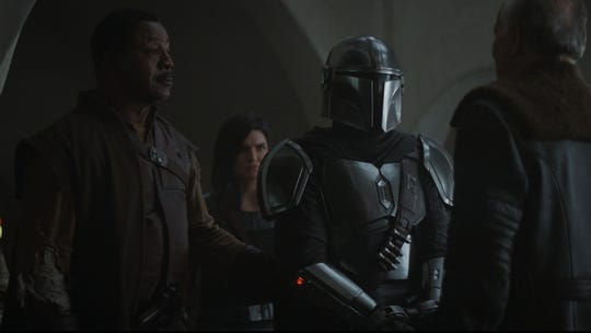 "Greef Carga and The Mandalorian in ""The Mandalorian"" Chapter 7"