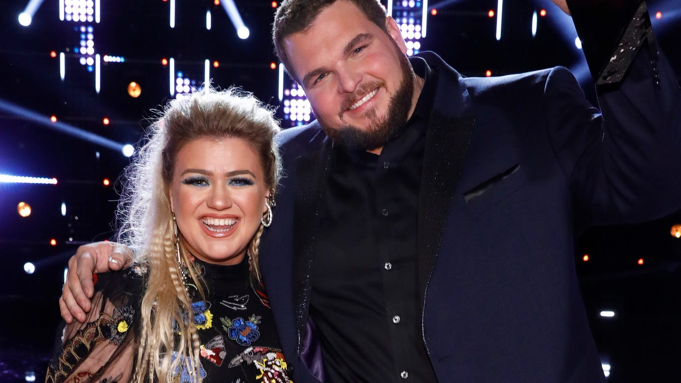 Kelly Clarkson on other coaches missing out on 'The Voice' champ Jake Hoot in auditions: 'Thank you!' - U.S.A. TODAY thumbnail