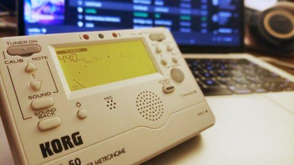Best gifts for musicians: Korg TM60 combo tuner