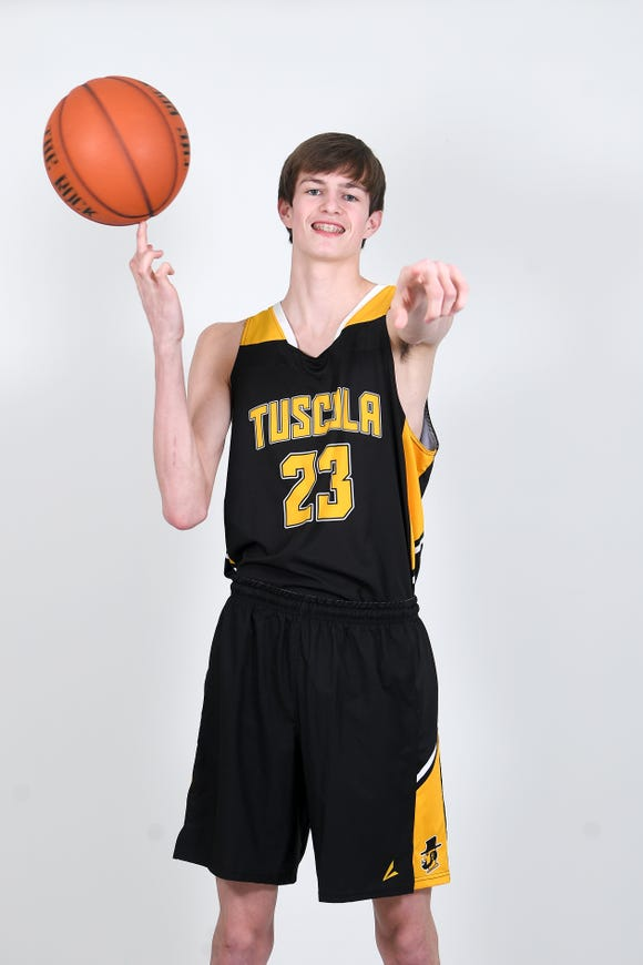Nate Brafford is a junior guard for the Tuscola Mountaineers.