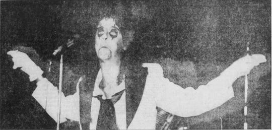 Alice Cooper performing his concert in Syracuse in 1973.