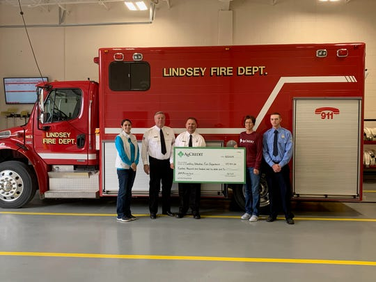 Lindsey Fire Department received a donation from AgCredit.