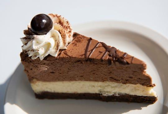 Espresso brownie Godiva cheesecake
