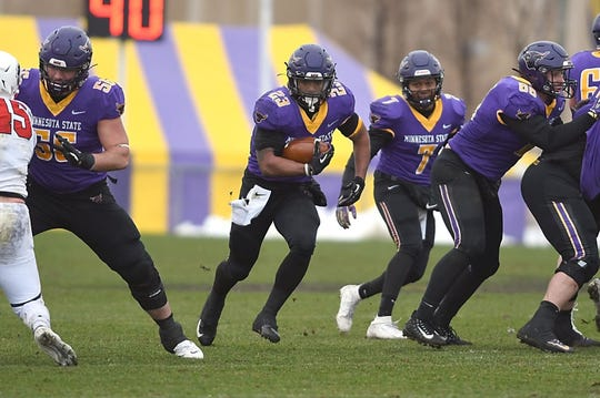 Minnesota State senior running back Nate Gunn has a a chance to win the Harlon Hill Award and a national championship this week before he begins to prepare for a possible professional football career.