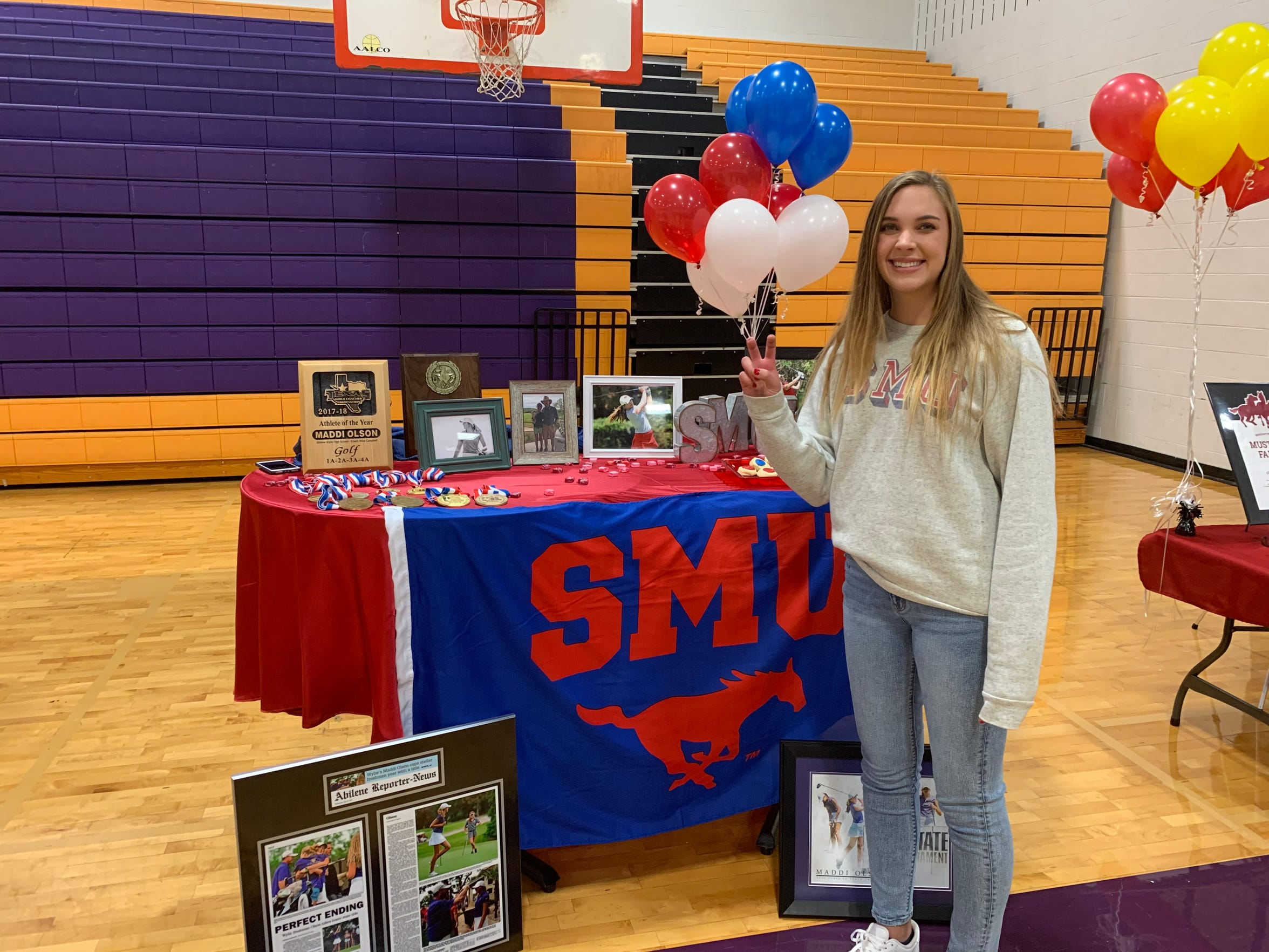Wylie's Maddi Olson signed with SMU golf on Nov. 13, 2019. Olson has won two state titles, one in Class 4A and one in 5A, along with a third-place finish with the Lady Bulldogs.