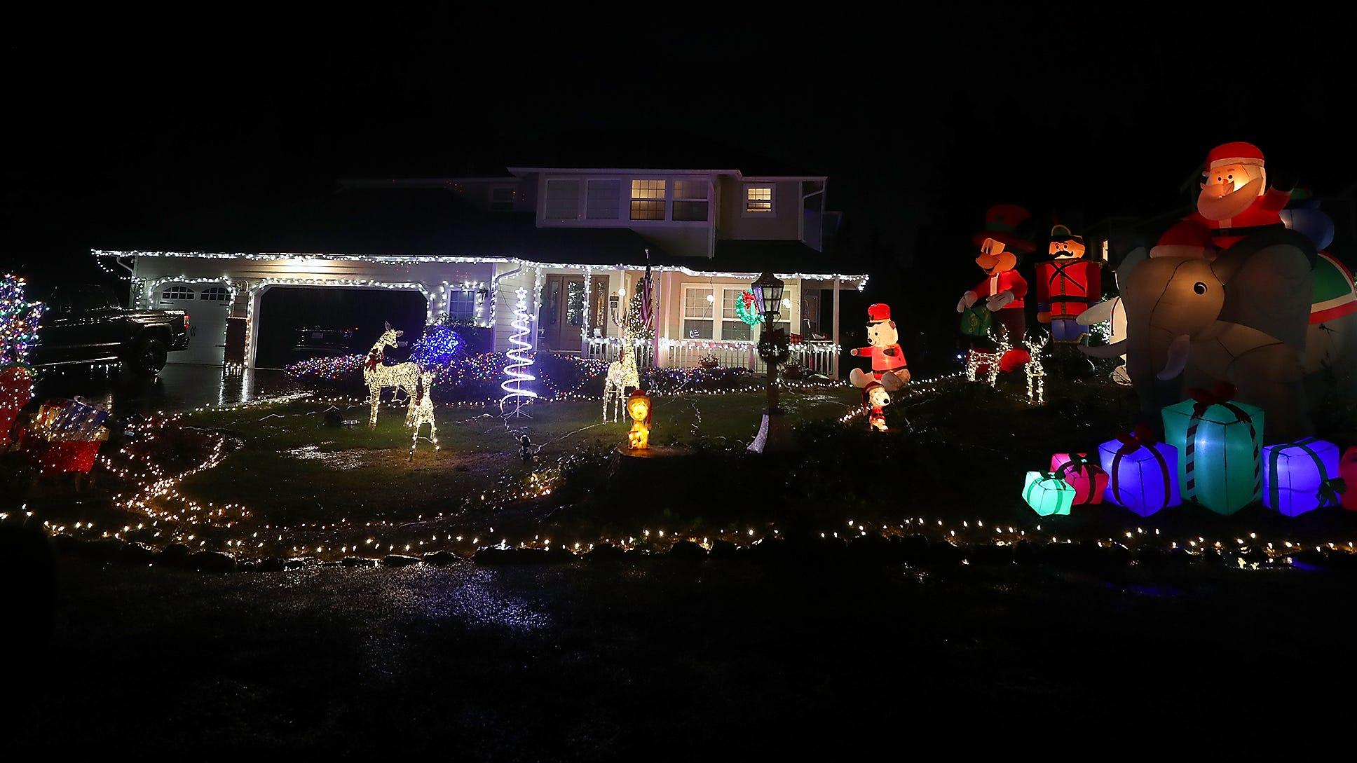 Where To See Christmas Lights Near Lakewood Wa 2021 Where To See Christmas Light Displays This Holiday Season