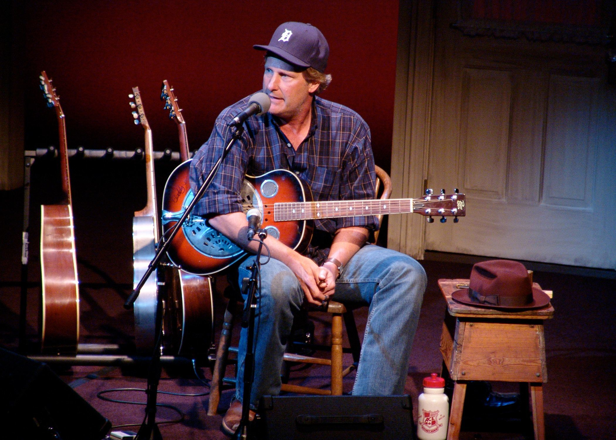 Jeff Daniels will do a series of acoustic shows at his Purple Rose Theatre starting Thursday.