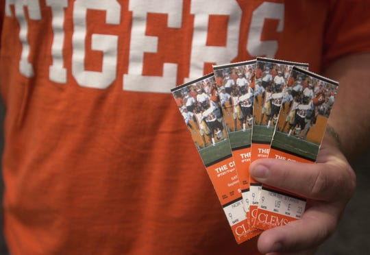 Here are tips on avoiding a scam when you're buying tickets for the Fiesta Bowl.