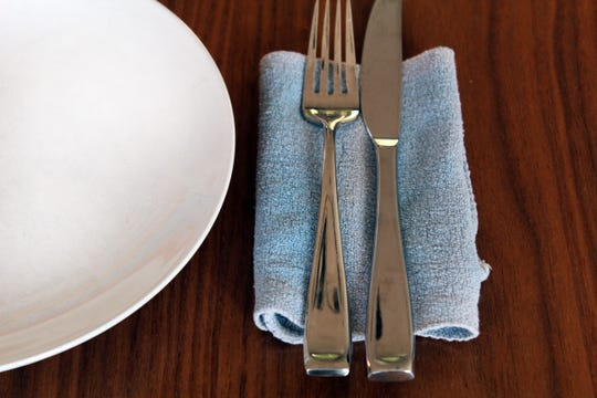 Replacing paper napkins with cloth for everyday use is really not difficult.