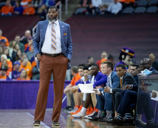 Evansville coach Walter McCarty watches his team's game against Murray State at Ford Center in Evansville, Ind., Saturday, Dec. 21, 2019.