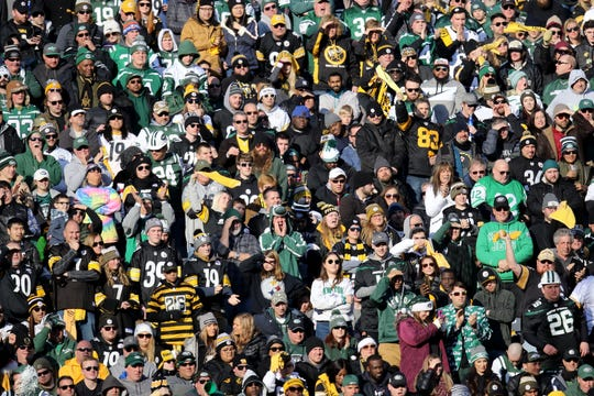 Jets and Steelers fans fill the seats at MetLife Stadium. Sunday, December 22, 2019
