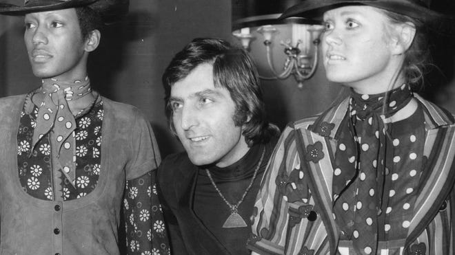 Emanuel Ungaro, the French fashion designer beloved by Jacqueline Kennedy and Catherine Deneuve, has died at age 86.