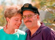 Toni Tennille, left, and Daryl Dragon, the singing duo The Captain and Tennille.
