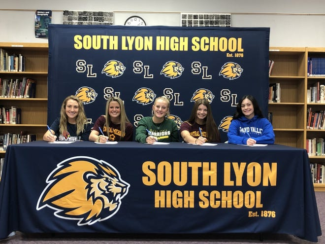 Olivia Vitale, Kylie Davis, Alexis Bonk, Lena Monteith and Hope Leinen sign to their letters of intent to play collegiate sports.