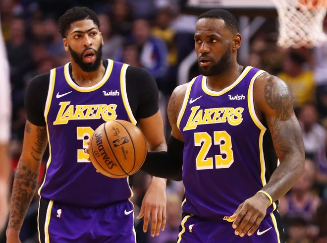 NBA analysts decide: LeBron and AD or Kawhi and PG?