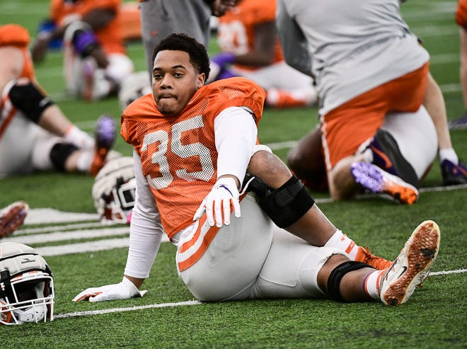Clemson linebacker Justin Foster, who missed the entire 2020 season because of COVID and related illness and decided to step away, has changed his mind.