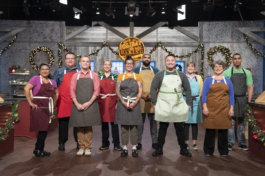 Ten contestants competed for $25,000 in Season 6 of The Holiday Baking Championship.
