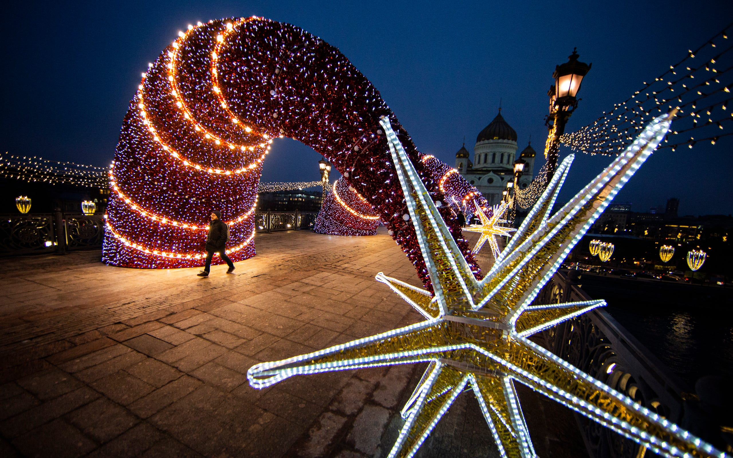 christmas decorations around the world 2019