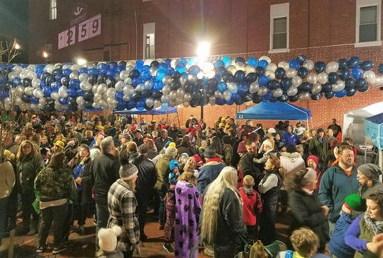 People wait for the balloons to fall at the 2018 Boro Blast in Waynesboro.