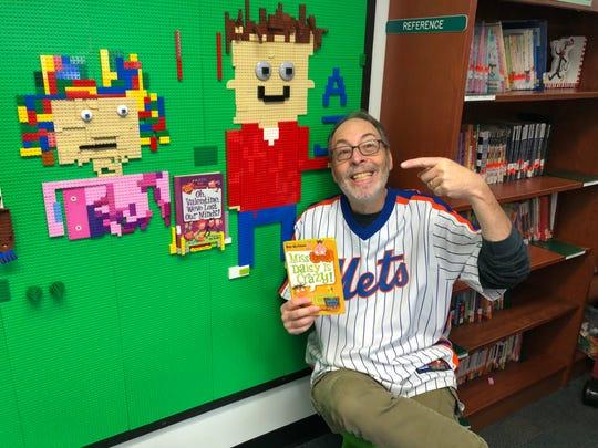 """Dan Gutman, author of the popular, """"My Weird School"""" series, visits Mt. Horeb School in Warren."""