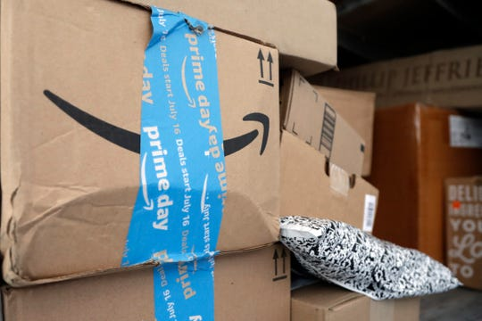 Amazon driver in Detroit quits job on Twitter, leaves package-filled van with keys in the ignition. Here's why he did it.