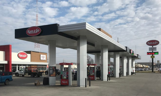 """He read the sign at Kum & Go on East Chestnut Expressway and had to ask: Is Cincinnati """"local""""?"""