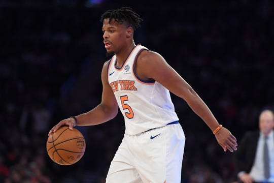 New York Knicks point guard Dennis Smith Jr. has missed nine straight games with a strained oblique.