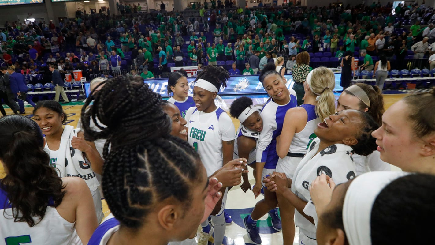 Fgcu Women S Basketball Ranked In Usa Today Coaches Poll