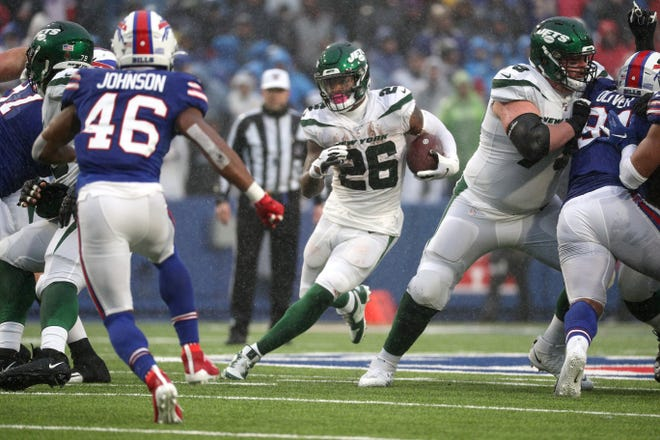 Jets running back Le'Veon Bell rushed for 41-yards against the Bills.