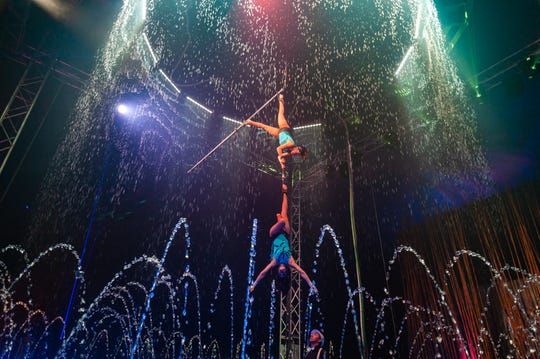 Leidy Astaiza and Susana Silva perform in the Cirque Italia water stage.