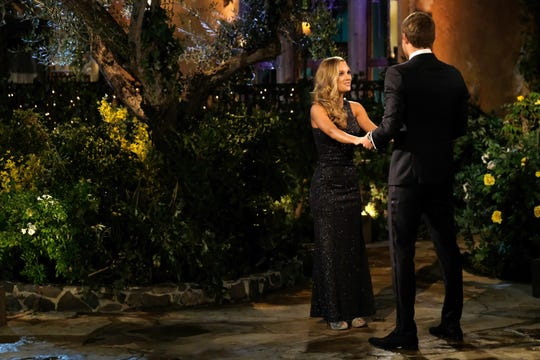 """Sarah Coffin and Peter Weber get to know each other on """"The Bachelor."""""""
