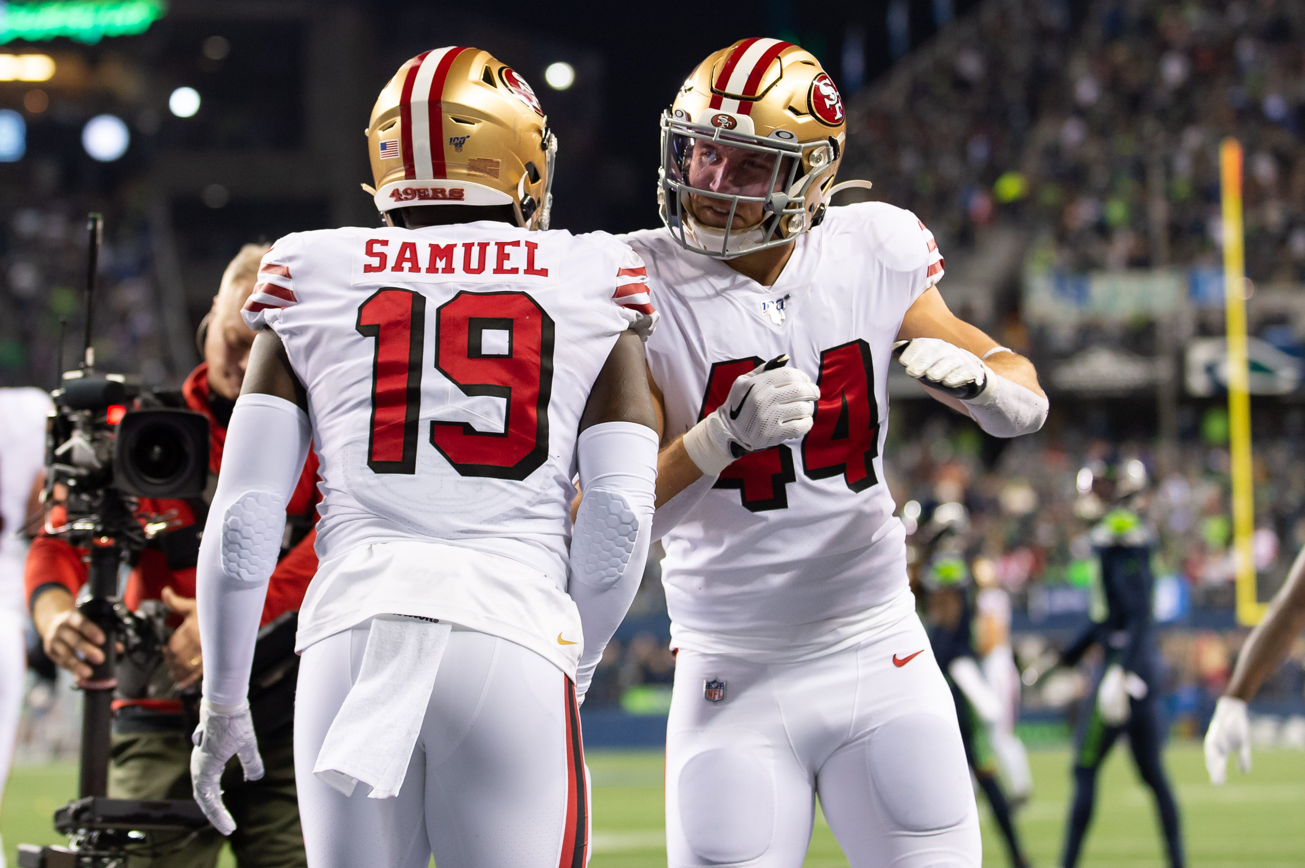 NFL playoff picture after Week 17: 49ers hang on to win NFC West, home field; Eagles, Titans clinch final berths
