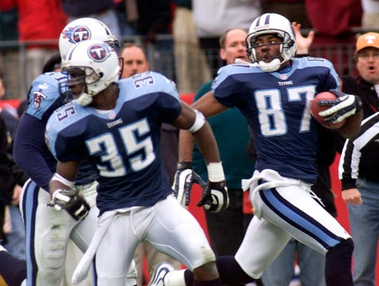 Kevin Dyson ran 75 yards for a game-winning touchdown in the Bills loss that became known as the Music City Miracle.