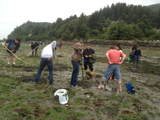 Clamming is a shovel-ready outdoor pastime for you and a couple of hundred new bucket buddies