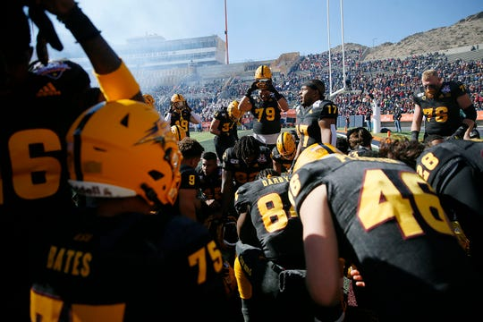ASU gathers before the game against FSU in the Tony the Tiger Sun Bowl Tuesday, Dec. 31, at the Sun Bowl in El Paso.