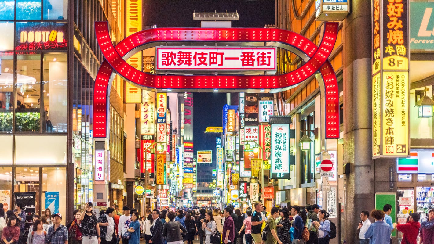 10 things to do in Tokyo: Kabuki plays, robot restaurants and more must-try experiences