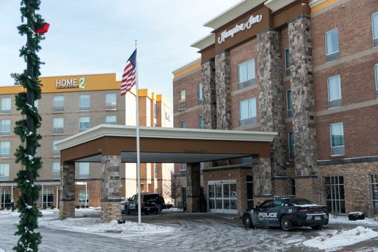 An armed Kentucky man barricaded himself in a second-floor room in this Hampton Inn in West Bloomfield Township