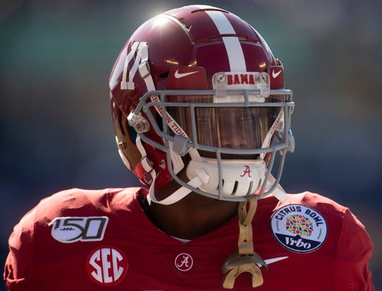 Alabama wide receiver Henry Ruggs, III, (11) warms up before the Citrus Bowl in Orlando, Fla., on Wednesday January 1, 2020.