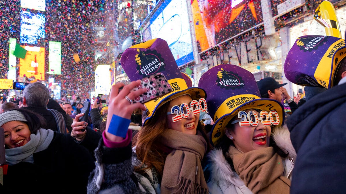 Dick Clark's New Year's Rockin' Eve 2021 921f0c50-00a7-48d8-851d-f2c854f64434-AP20001193158984
