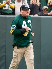 Green Bay Packers alumnus Doug Hart was introduced at halftime of the Packers game against Washington on Sunday, Sept. 15, 2013.