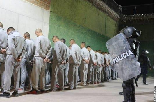 Una riña de un penal en Cieneguillas, Zacatecas dejó al menos 16 muertos y una veintena de heridos; autoridades controlaron la situación.