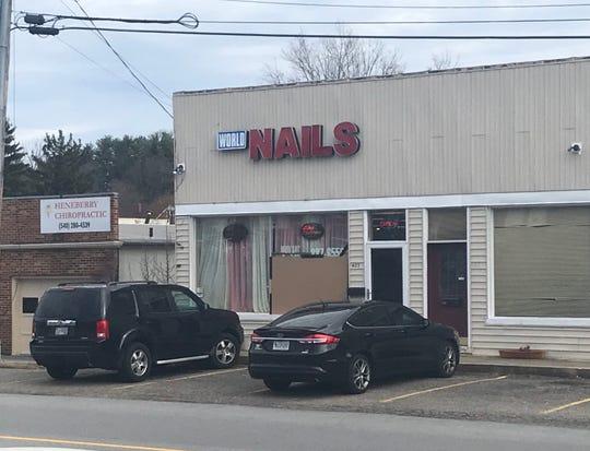 World Nails in Staunton