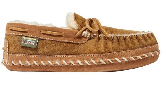 These iconic slippers are at a great price.