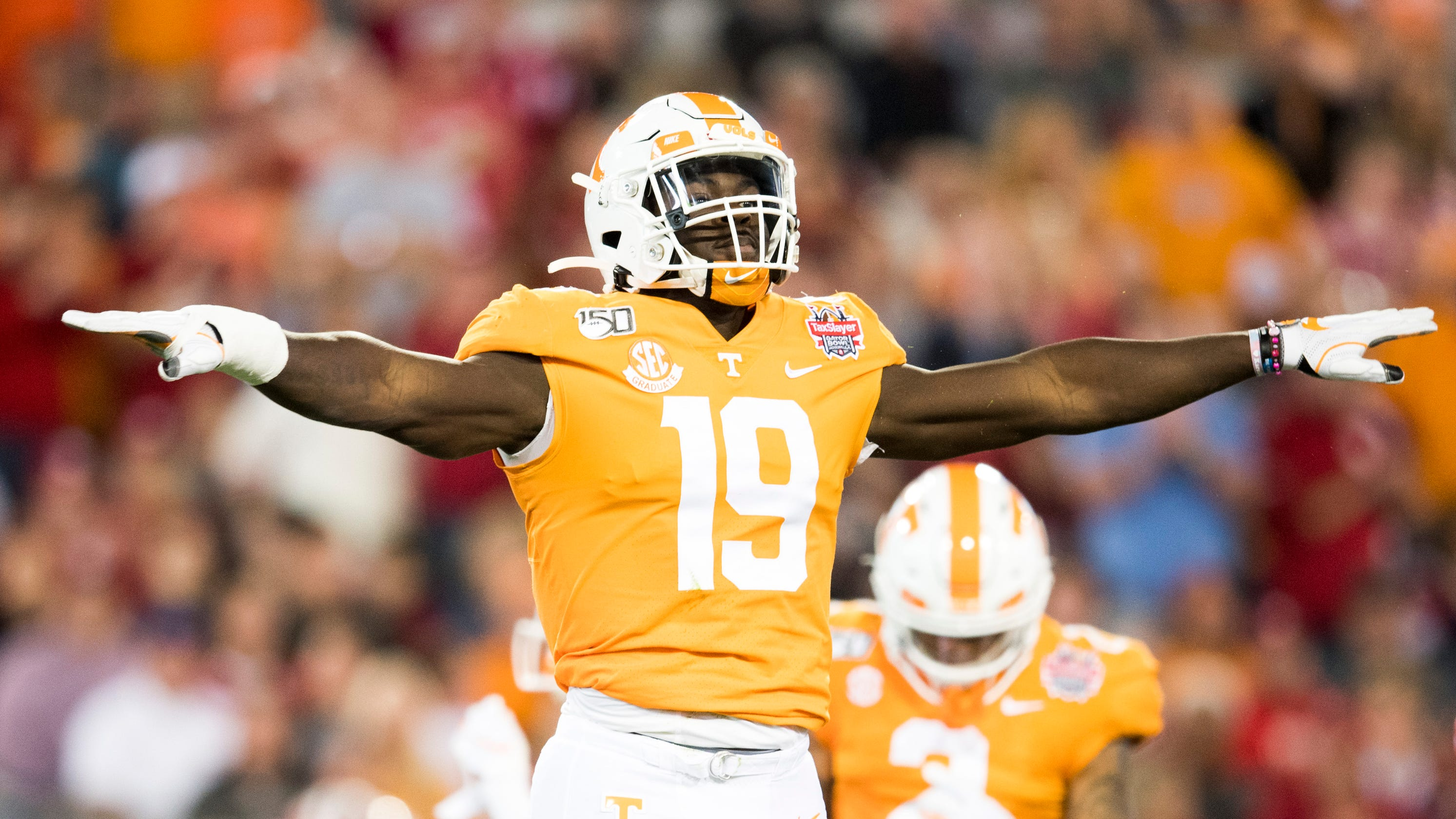 Draft analysts offer possible landing spots for Tennessee's Darrell Taylor, Jauan Jennings