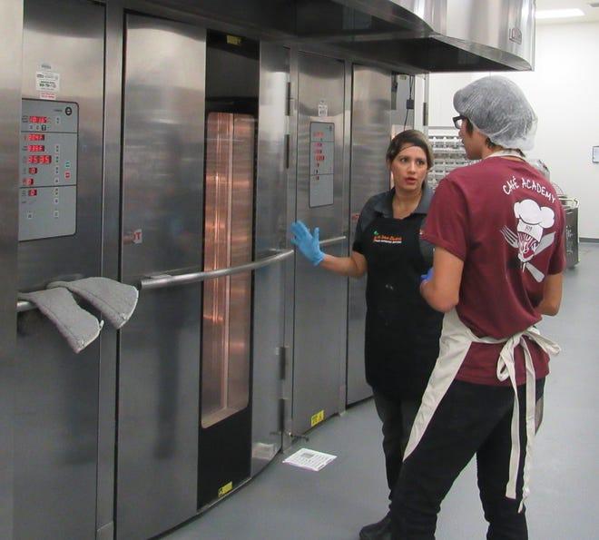 CAFÉ students visit the Nutritional Services Department.