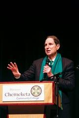 Sen. Ron Wyden speaks at a town hall at Chemeketa Community College in Salem on Jan. 3, 2020.